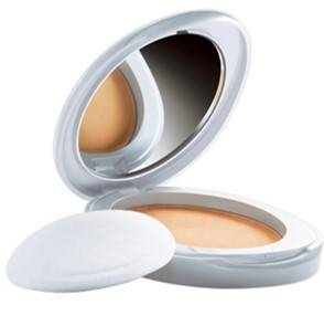 Lakme Perfect Radiance Intense Whitening Compact Golden Medium 8gm